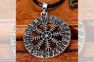 ochranny vikingsky amulet